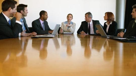 Aby zarządzać grupą ludzi, niezbędne są zupełnie inne kompetencje niż podczas efektywnego tworzenia programów.